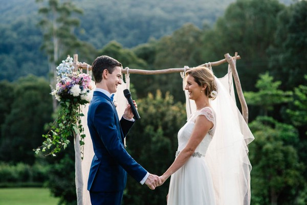 Romantic-Australian-Wedding-at-Mount-Warning (17 of 35)