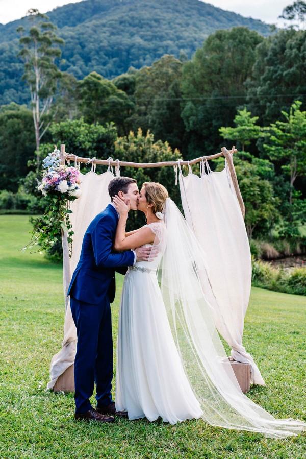 Romantic-Australian-Wedding-at-Mount-Warning (18 of 35)