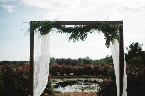 Rustic-Boho-Wedding-at-Merry-Hill-Farm (12 of 41)