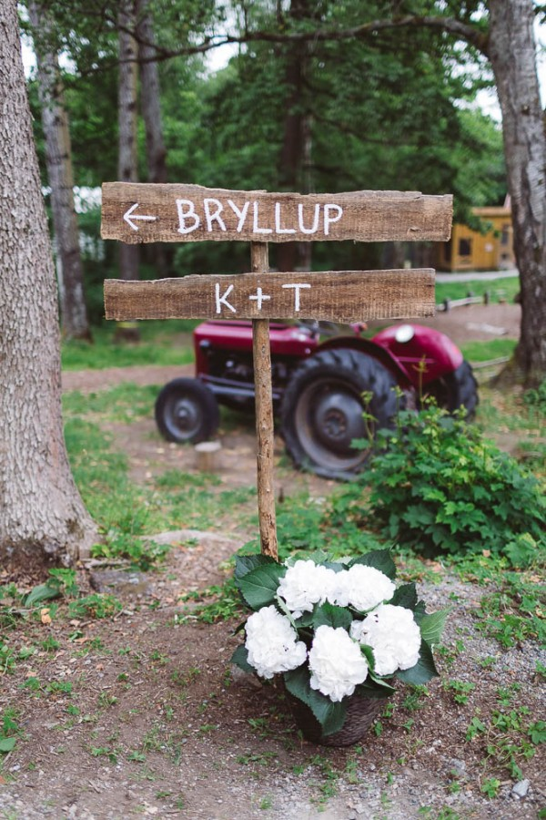 Rustic-Norwegian-Wedding-at-Follo-Museum (8 of 34)