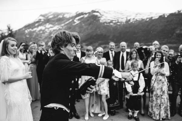 Traditional-Barn-Wedding-in-Norway-Damien-Milan-Photography--16