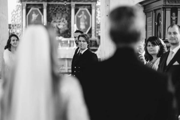 Traditional-Barn-Wedding-in-Norway-Damien-Milan-Photography--2
