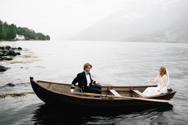 Traditional-Barn-Wedding-in-Norway-Damien-Milan-Photography--22