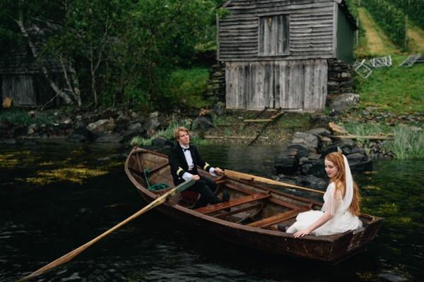 Traditional-Barn-Wedding-in-Norway-Damien-Milan-Photography--25
