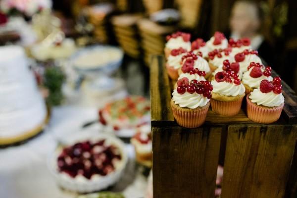 Traditional-Barn-Wedding-in-Norway-Damien-Milan-Photography--27