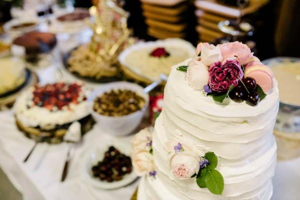 Traditional-Barn-Wedding-in-Norway-Damien-Milan-Photography--28