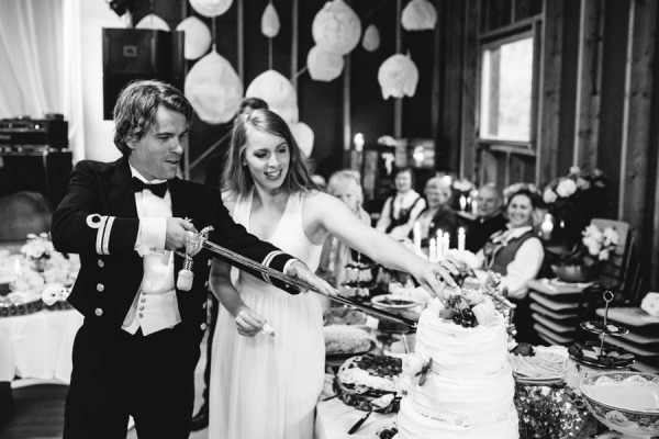 Traditional-Barn-Wedding-in-Norway-Damien-Milan-Photography--29