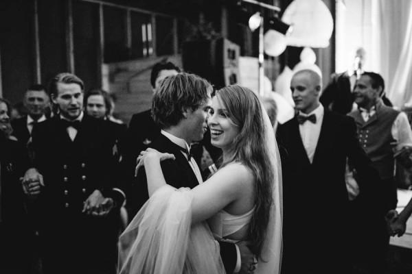 Traditional-Barn-Wedding-in-Norway-Damien-Milan-Photography--30