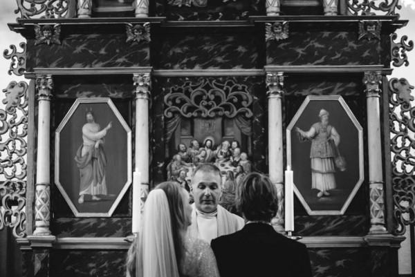 Traditional-Barn-Wedding-in-Norway-Damien-Milan-Photography--4