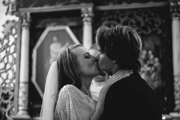 Traditional-Barn-Wedding-in-Norway-Damien-Milan-Photography--5