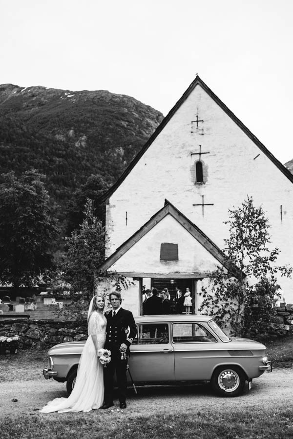 Traditional-Barn-Wedding-in-Norway-Damien-Milan-Photography--7