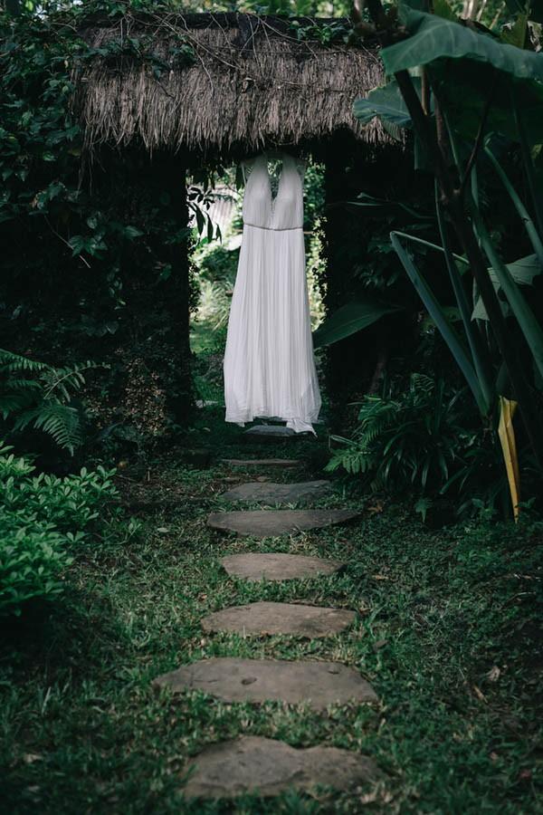 Tropical-Bali-Wedding-at-Bambu-Indah-Eric-Ronald-Photography-055