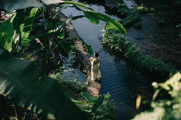 Tropical-Bali-Wedding-at-Bambu-Indah-Eric-Ronald-Photography-076