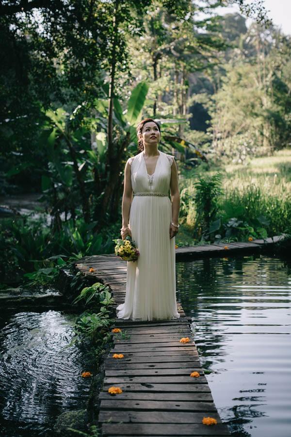 Tropical-Bali-Wedding-at-Bambu-Indah-Eric-Ronald-Photography-077
