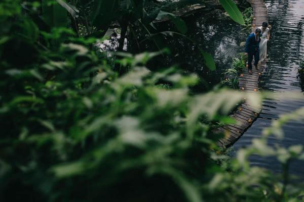 Tropical-Bali-Wedding-at-Bambu-Indah-Eric-Ronald-Photography-098