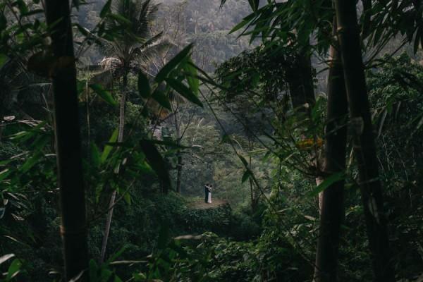 Tropical-Bali-Wedding-at-Bambu-Indah-Eric-Ronald-Photography-114