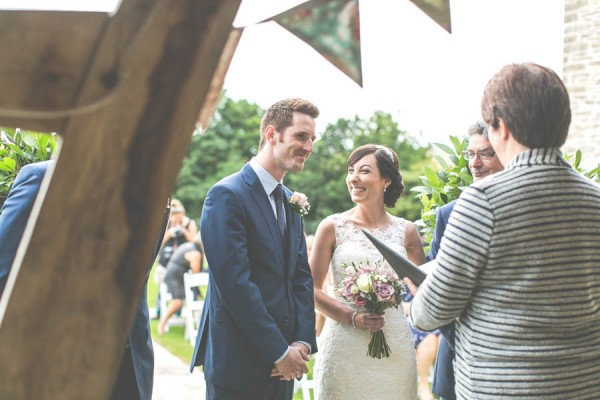 Vintage-Gloucestershire-Wedding-at-Kingscote-Barn-Rachel-Lambert-Photography-0026