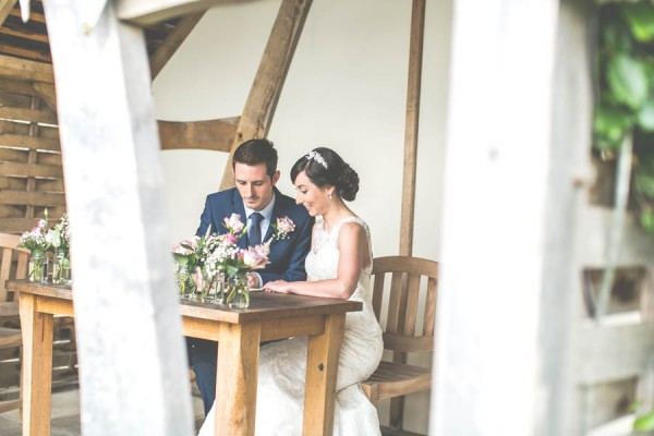 Vintage-Gloucestershire-Wedding-at-Kingscote-Barn-Rachel-Lambert-Photography-0029
