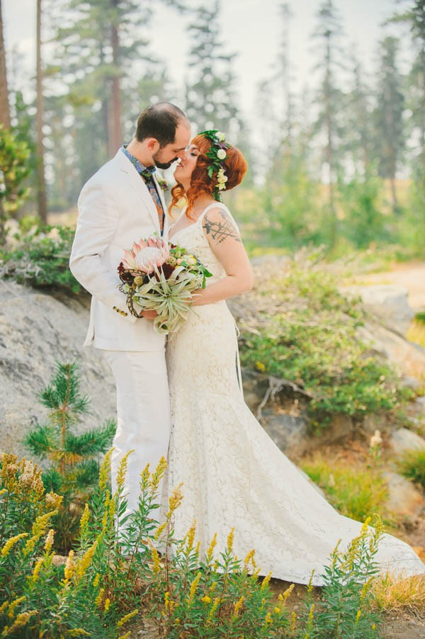 Woodland-Wedding-at-The-Hideout-in-Kirkwood-CA-Sarah-Maren-Photography-073