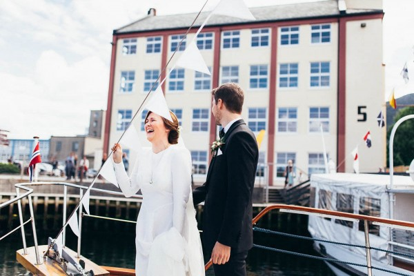 Black-and-White-Nordic-Wedding-at-Devold-Fabrikken (15 of 35)