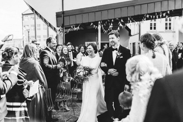 Black-and-White-Nordic-Wedding-at-Devold-Fabrikken (17 of 35)