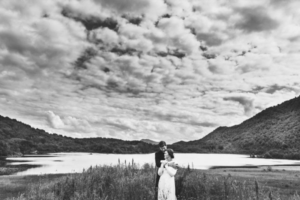 Black-and-White-Nordic-Wedding-at-Devold-Fabrikken (5 of 35)