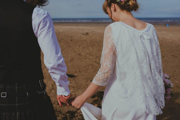 Bohemian-Seaside-Scottish-Wedding-at-St-Salvators-Chapel-Anna-Urban-0607
