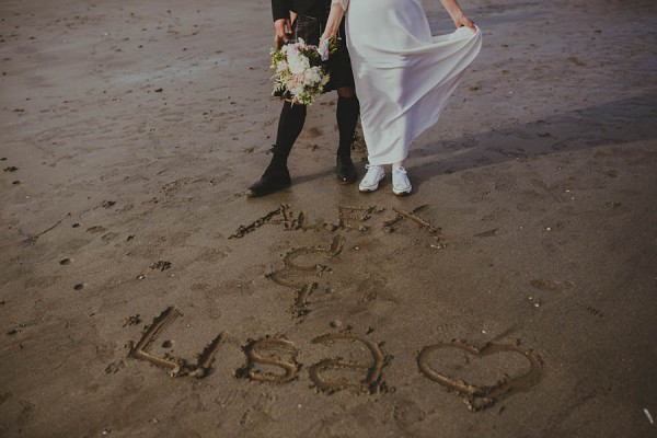 Bohemian-Seaside-Scottish-Wedding-at-St-Salvators-Chapel-Anna-Urban-0646
