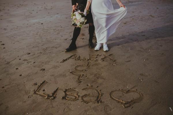 Bohemian-Seaside-Scottish-Wedding-at-St-Salvators-Chapel-Anna-Urban-0646