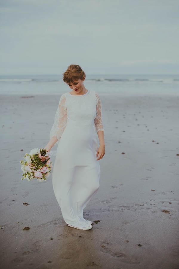 Bohemian-Seaside-Scottish-Wedding-at-St-Salvators-Chapel-Anna-Urban-0674
