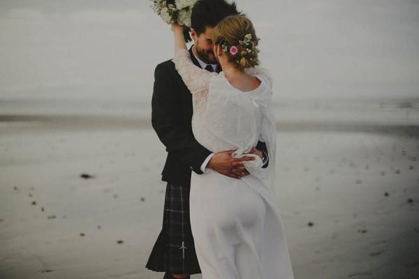 Bohemian-Seaside-Scottish-Wedding-at-St-Salvators-Chapel-Anna-Urban-0699