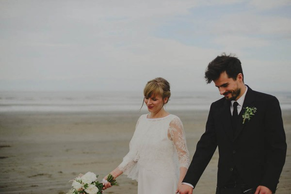 Bohemian-Seaside-Scottish-Wedding-at-St-Salvators-Chapel-Anna-Urban-0721