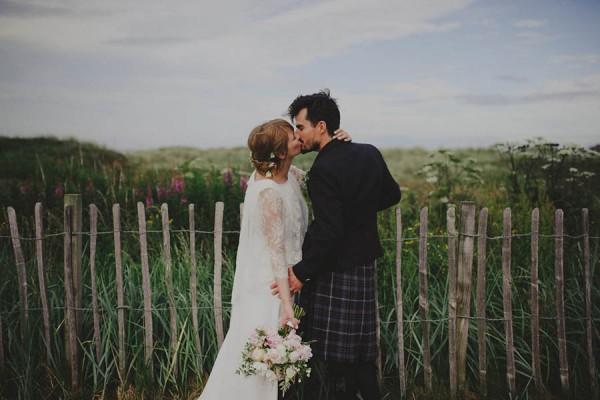Bohemian-Seaside-Scottish-Wedding-at-St-Salvators-Chapel-Anna-Urban-0800