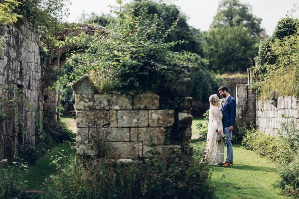 Boho-Yorkshire-Wedding-at-Jervaulx-Abbey-Miss-Gen-Photography-018