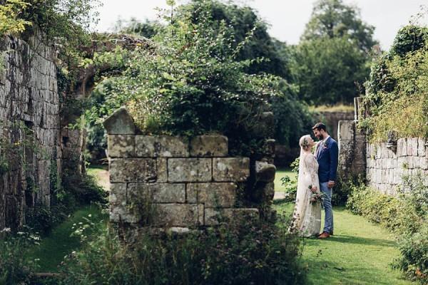 Boho-Yorkshire-Wedding-at-Jervaulx-Abbey-Miss-Gen-Photography-018
