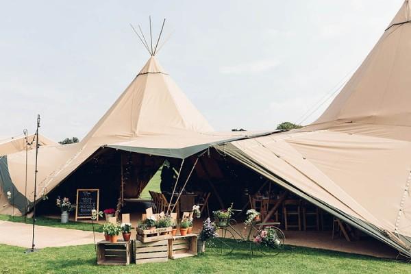Boho-Yorkshire-Wedding-at-Jervaulx-Abbey-Miss-Gen-Photography-021