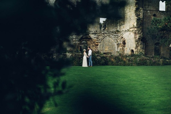 Boho-Yorkshire-Wedding-at-Jervaulx-Abbey-Miss-Gen-Photography-027