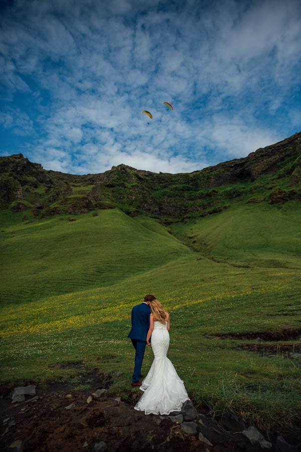 Boldly-Romantic-Icelandic-Elopement-in-the-Fjaorargljufur-Canyon-Nicole-Ashley-Photography-14