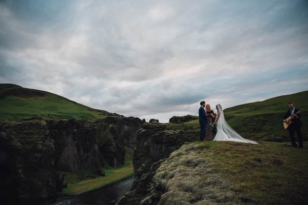 Boldly-Romantic-Icelandic-Elopement-in-the-Fjaorargljufur-Canyon-Nicole-Ashley-Photography-19