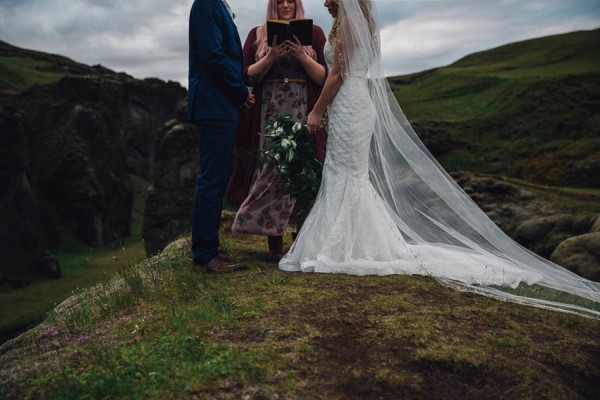Boldly-Romantic-Icelandic-Elopement-in-the-Fjaorargljufur-Canyon-Nicole-Ashley-Photography-20