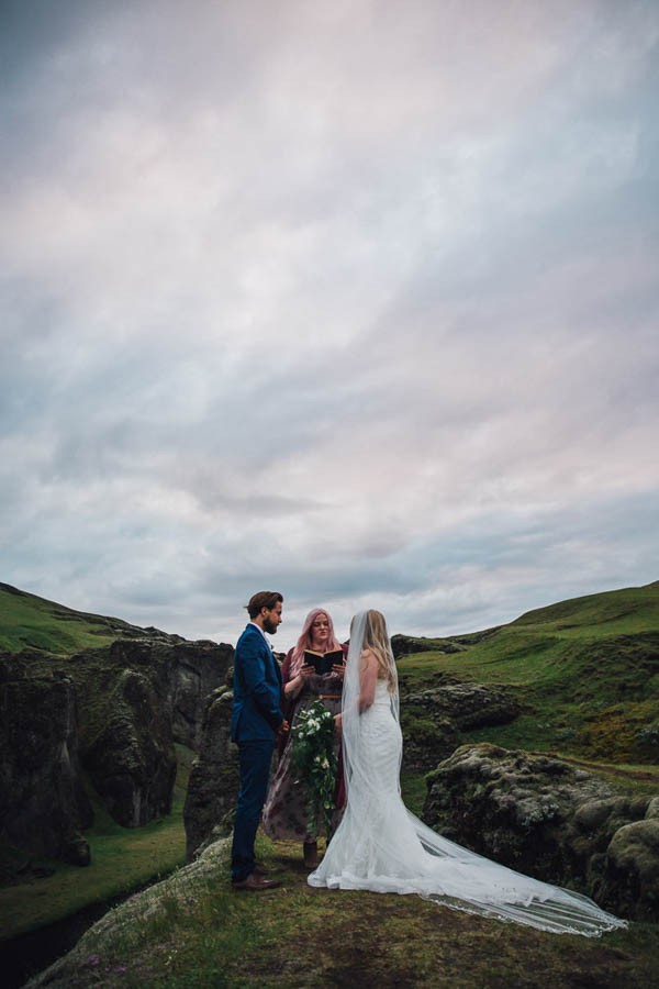 Boldly-Romantic-Icelandic-Elopement-in-the-Fjaorargljufur-Canyon-Nicole-Ashley-Photography-23