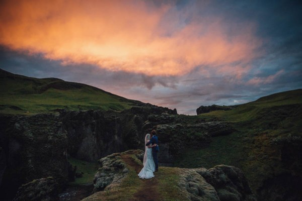 Boldly-Romantic-Icelandic-Elopement-in-the-Fjaorargljufur-Canyon-Nicole-Ashley-Photography-28