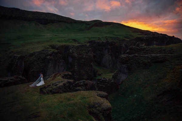 Boldly-Romantic-Icelandic-Elopement-in-the-Fjaorargljufur-Canyon-Nicole-Ashley-Photography-30