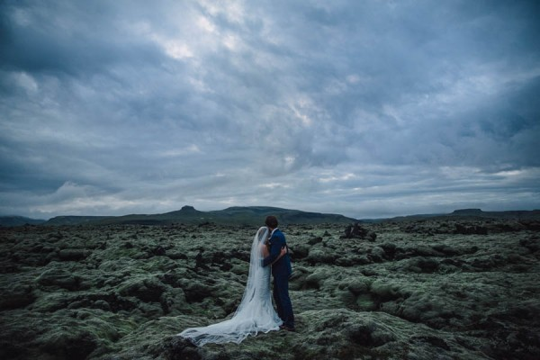 Boldly-Romantic-Icelandic-Elopement-in-the-Fjaorargljufur-Canyon-Nicole-Ashley-Photography-31