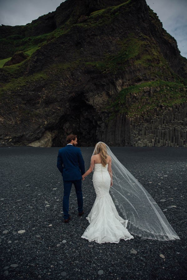 Boldly-Romantic-Icelandic-Elopement-in-the-Fjaorargljufur-Canyon-Nicole-Ashley-Photography-4