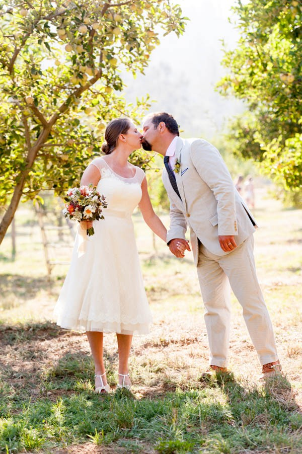 Country-Chic-Wedding-at-Philo-Apple-Farm-Rebecca-Gosselin-Photography-10