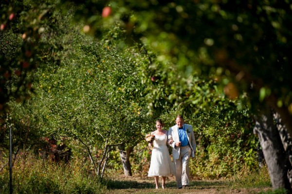 Country-Chic-Wedding-at-Philo-Apple-Farm-Rebecca-Gosselin-Photography-7