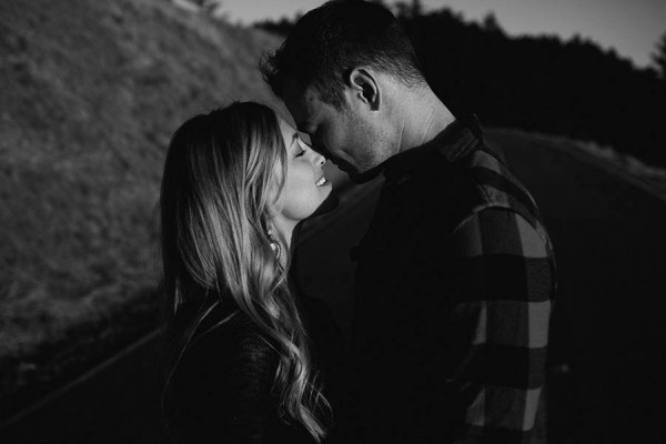 Cozy-Anniversary-Photo-Shoot-at-Mount-Tamalpais-Dustin-Cantrell-13