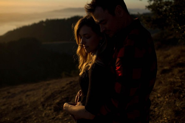 Cozy-Anniversary-Photo-Shoot-at-Mount-Tamalpais-Dustin-Cantrell-15