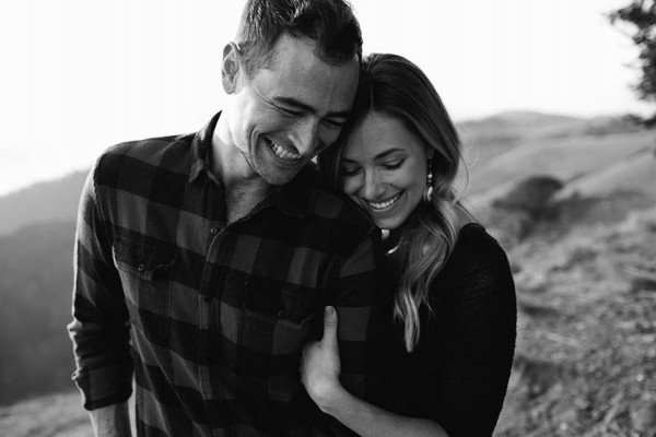 Cozy-Anniversary-Photo-Shoot-at-Mount-Tamalpais-Dustin-Cantrell-16